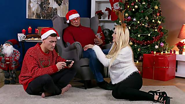 Surprise fuck on Christmas Eve with the man's stepson