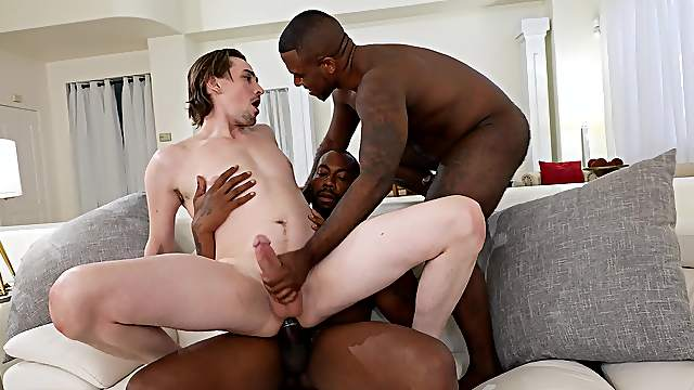 Blacked by two men in supreme gay bareback